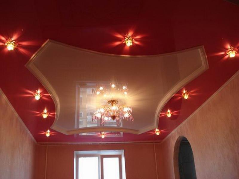 Оформление натяжного потолка