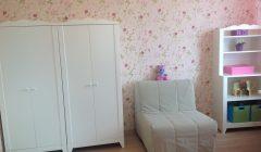 Кресло-кровать в детской комнате